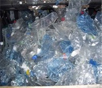 PET bottles after de-labeler treatment
